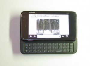 Nokia N900, Smartphone with Maemo 5 operating system